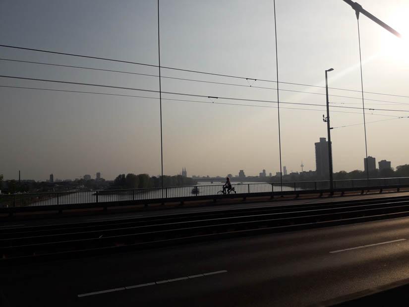 Der Dom von der Mühlheimer Brücke gesehen